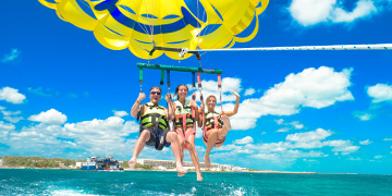 Parasailing in Cancun hotel zone